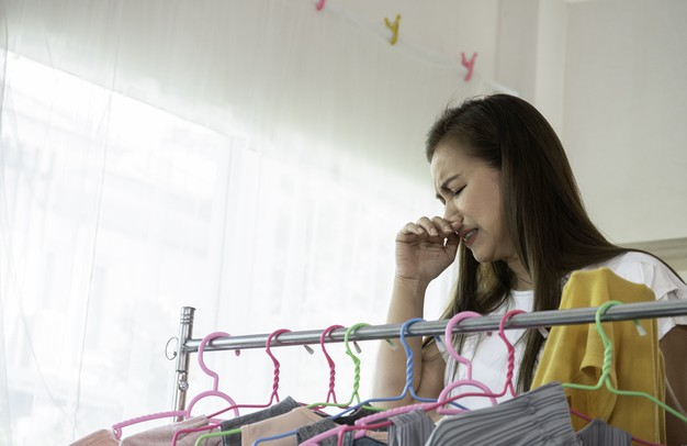 Jak usunąć zapach stęchlizny? Sprawdzone sposoby